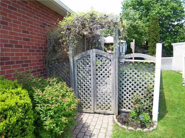 Detached at 53 Prout Dr, Clarington, Ontario. Image 5