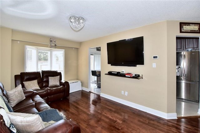 Link at 51 Roughfield Cres, Toronto, Ontario. Image 3