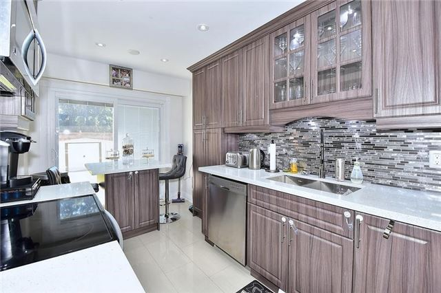 Link at 51 Roughfield Cres, Toronto, Ontario. Image 4