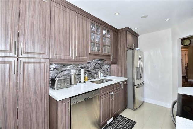 Link at 51 Roughfield Cres, Toronto, Ontario. Image 7