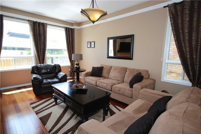 Detached at 480 Woodsmere Cres, Pickering, Ontario. Image 9