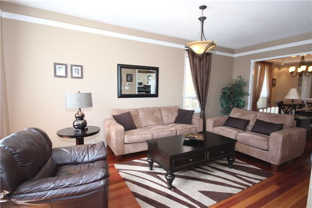 Detached at 480 Woodsmere Cres, Pickering, Ontario. Image 10