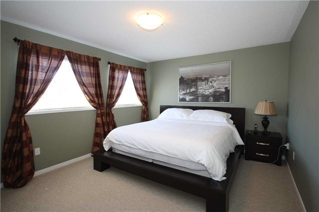 Detached at 480 Woodsmere Cres, Pickering, Ontario. Image 13