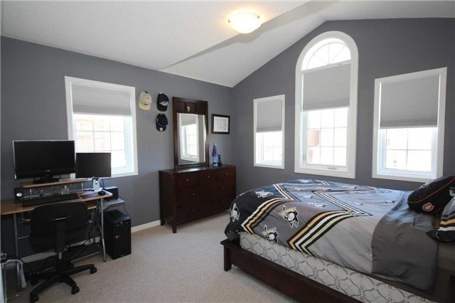 Detached at 480 Woodsmere Cres, Pickering, Ontario. Image 14