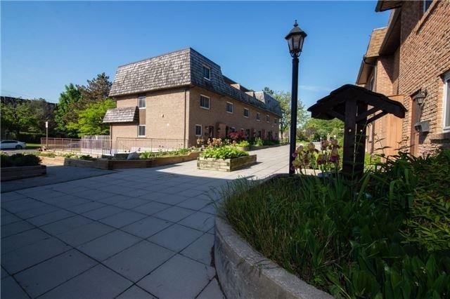 Condo Townhouse at 20 Hainford St, Unit 1, Toronto, Ontario. Image 11