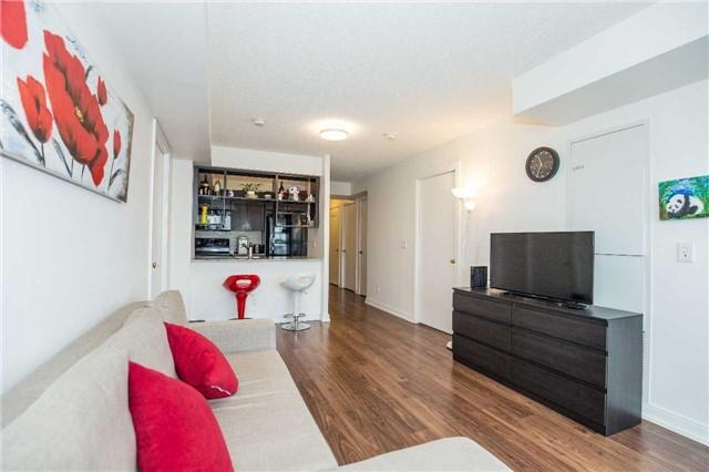 Condo Apartment at 151 Village Green Sq, Unit 1106, Toronto, Ontario. Image 1
