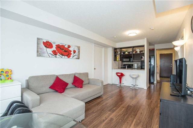 Condo Apartment at 151 Village Green Sq, Unit 1106, Toronto, Ontario. Image 15