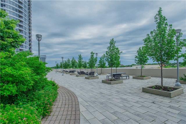 Condo Apartment at 151 Village Green Sq, Unit 1106, Toronto, Ontario. Image 10