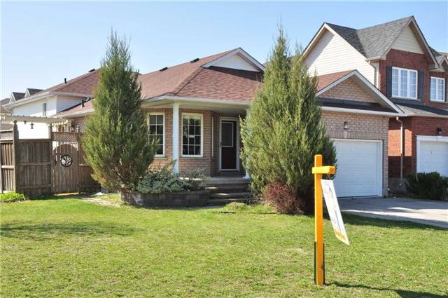 Detached at 1860 Dalhousie Cres, Oshawa, Ontario. Image 12