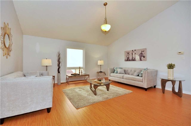 Detached at 1860 Dalhousie Cres, Oshawa, Ontario. Image 14