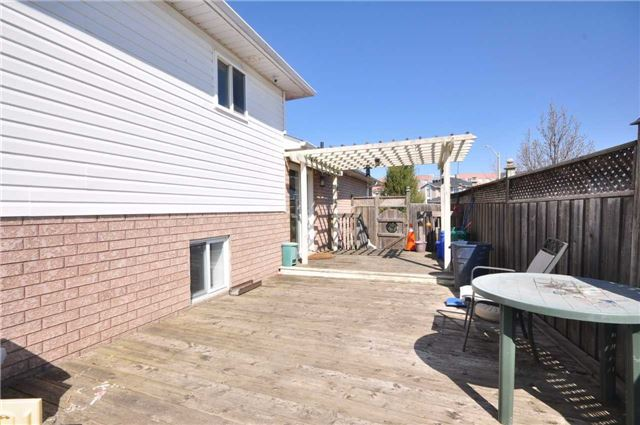 Detached at 1860 Dalhousie Cres, Oshawa, Ontario. Image 9
