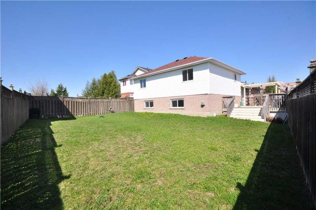 Detached at 1860 Dalhousie Cres, Oshawa, Ontario. Image 10
