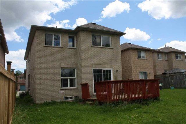 Detached at 1110 Gossamer Dr, Pickering, Ontario. Image 6