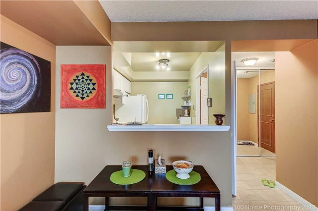 Condo Apartment at 8 Lee Centre Dr, Unit 808, Toronto, Ontario. Image 14