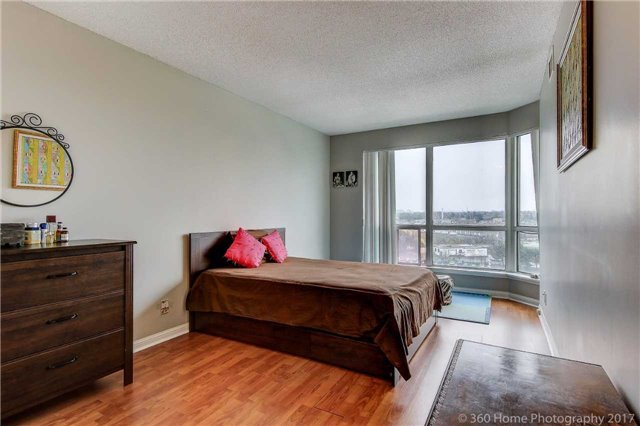 Condo Apartment at 8 Lee Centre Dr, Unit 808, Toronto, Ontario. Image 2