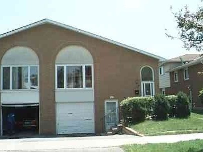 Semi-detached at 116 Hildenboro Sq, Toronto, Ontario. Image 1