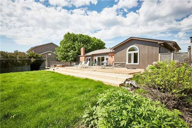 Detached at 3505 Westney Rd, Pickering, Ontario. Image 9