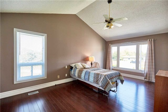 Detached at 3505 Westney Rd, Pickering, Ontario. Image 4