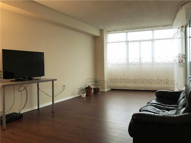 Condo Apartment at 2050 Bridletowne Circ, Unit 1412, Toronto, Ontario. Image 7