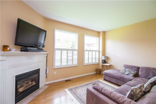 Detached at 461 Woodsmere Cres, Pickering, Ontario. Image 13