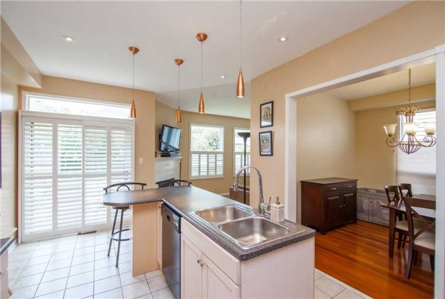 Detached at 461 Woodsmere Cres, Pickering, Ontario. Image 17