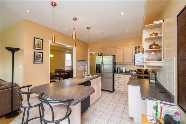 Detached at 461 Woodsmere Cres, Pickering, Ontario. Image 19