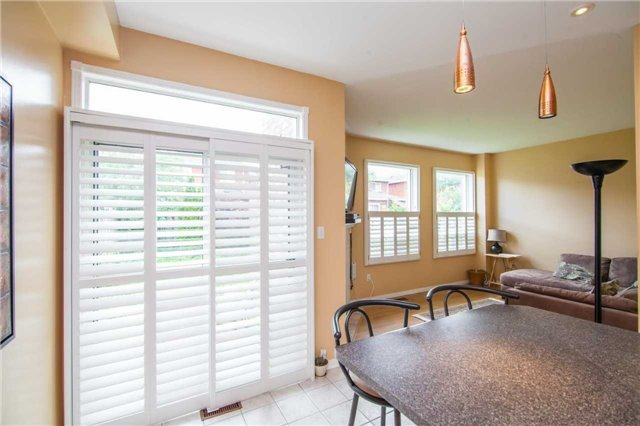 Detached at 461 Woodsmere Cres, Pickering, Ontario. Image 4