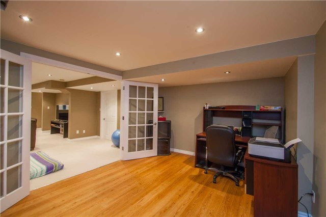 Detached at 461 Woodsmere Cres, Pickering, Ontario. Image 11