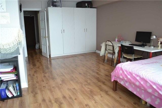 Condo Apartment at 2365 Kennedy Rd, Unit 1208, Toronto, Ontario. Image 2
