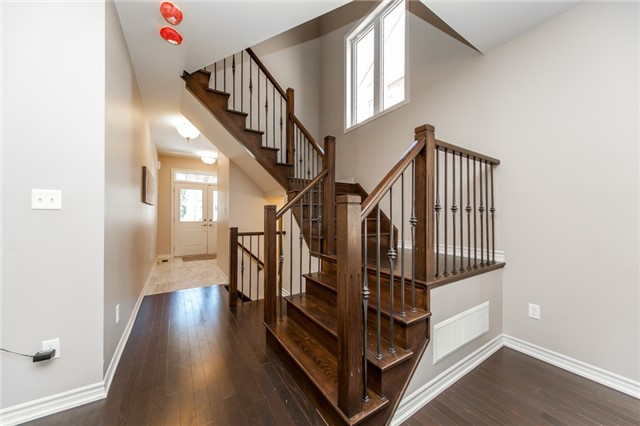 Detached at 89 Bridlewood Blvd, Whitby, Ontario. Image 13