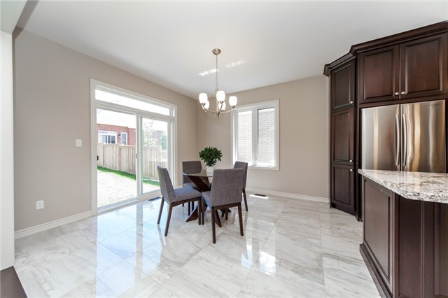 Detached at 89 Bridlewood Blvd, Whitby, Ontario. Image 17
