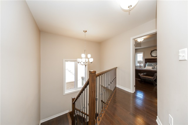 Detached at 89 Bridlewood Blvd, Whitby, Ontario. Image 4
