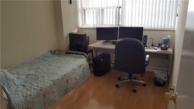 Condo Apartment at 25 Silver Springs Blvd, Unit Ph2, Toronto, Ontario. Image 9