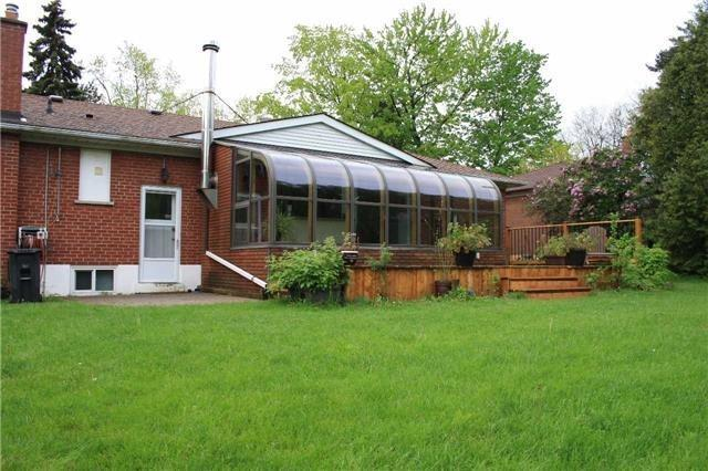 Detached at 426 Lawson Rd, Toronto, Ontario. Image 11