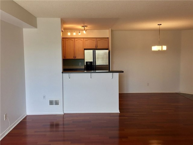Condo Apartment at 1733 Queen St E, Unit 326, Toronto, Ontario. Image 6
