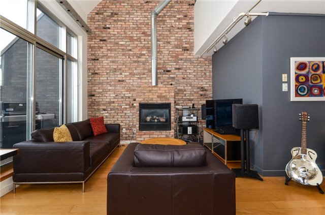 Condo Apartment at 1852 Queen St E, Unit 302, Toronto, Ontario. Image 14