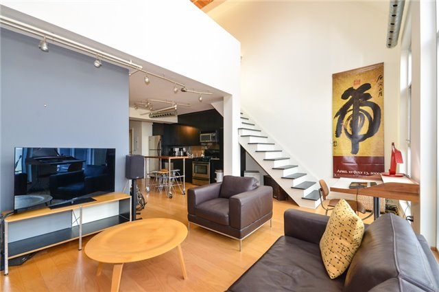 Condo Apartment at 1852 Queen St E, Unit 302, Toronto, Ontario. Image 15