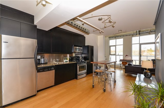 Condo Apartment at 1852 Queen St E, Unit 302, Toronto, Ontario. Image 17