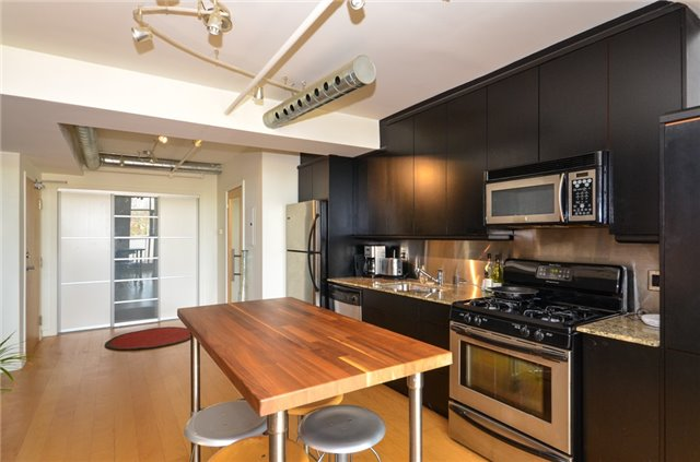Condo Apartment at 1852 Queen St E, Unit 302, Toronto, Ontario. Image 18