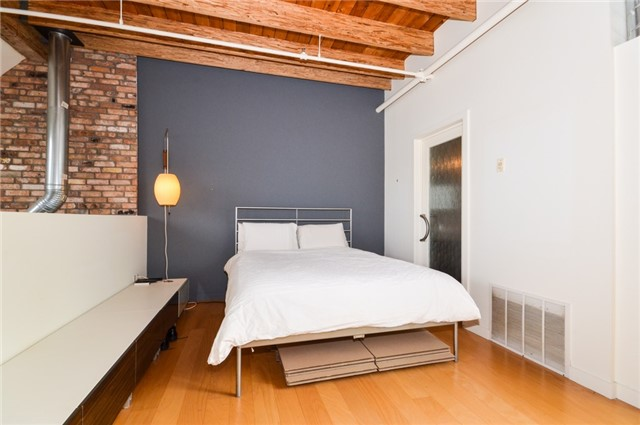 Condo Apartment at 1852 Queen St E, Unit 302, Toronto, Ontario. Image 3