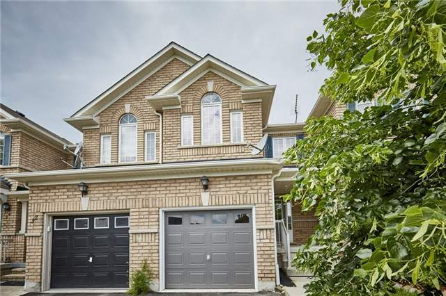 Townhouse at 30 Barkdale Way, Whitby, Ontario. Image 1