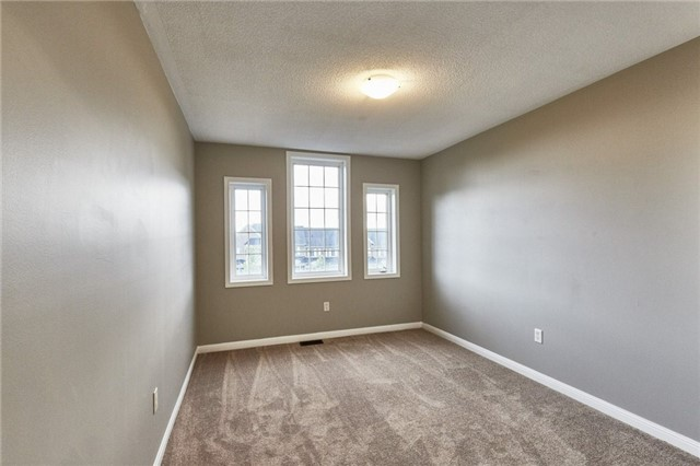 Townhouse at 30 Barkdale Way, Whitby, Ontario. Image 2