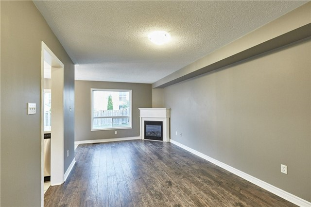 Townhouse at 30 Barkdale Way, Whitby, Ontario. Image 5