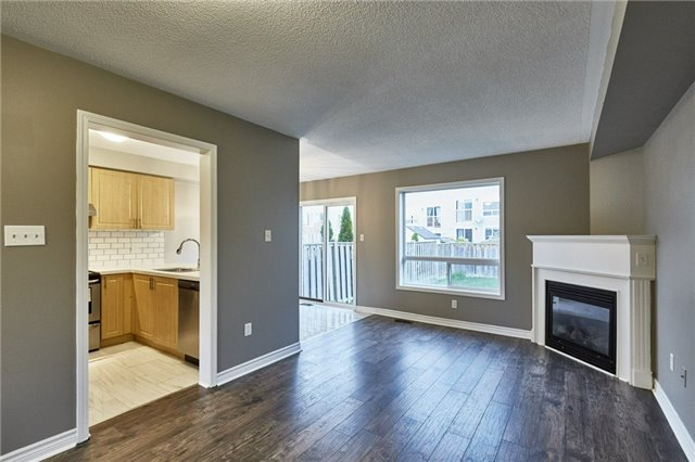Townhouse at 30 Barkdale Way, Whitby, Ontario. Image 6