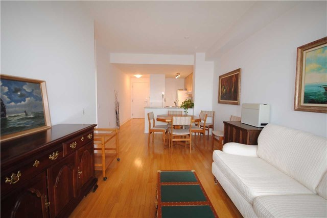 Condo Apartment at 83 Borough Dr, Unit 1304, Toronto, Ontario. Image 15