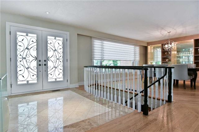 Detached at 15 Acland Cres, Toronto, Ontario. Image 14