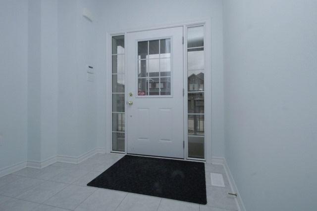 Detached at 896 William Lee Ave, Oshawa, Ontario. Image 8