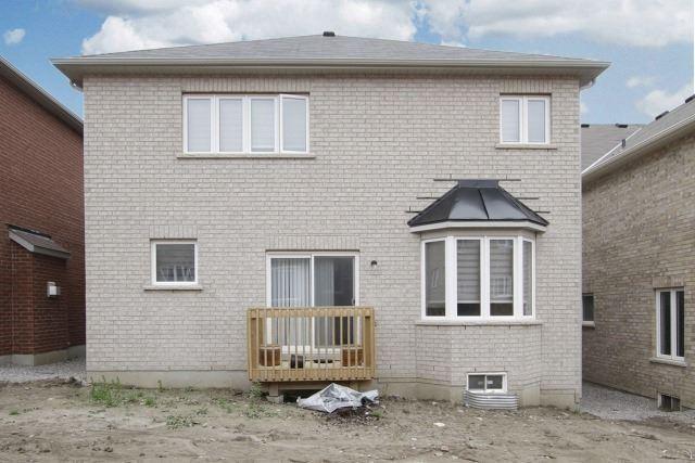 Detached at 896 William Lee Ave, Oshawa, Ontario. Image 6