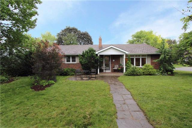 Detached at 448 Queen St, Scugog, Ontario. Image 12
