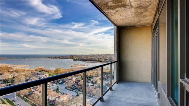Condo Apartment at 1215 Bayly St, Unit 1605, Pickering, Ontario. Image 1